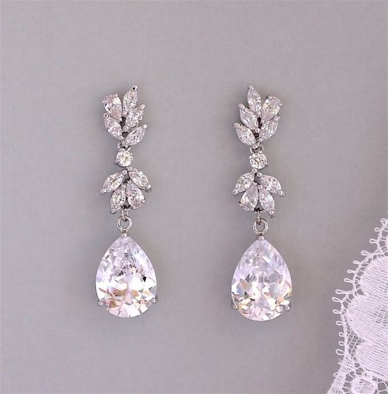 Bridal Earrings, Wedding Earrings, Crystal Chandelier #weddings #jewelry @EtsyMktgTool #bridalearrings #weddingearrings #weddingjewelry