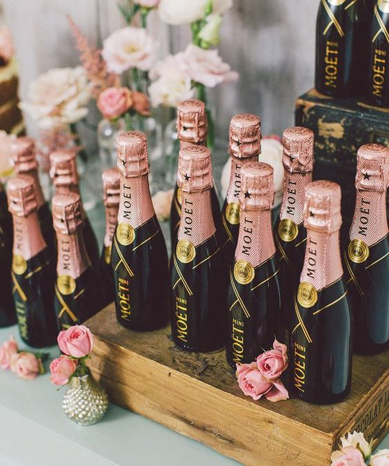 Luxury Wedding Favors: how to thank and amaze your guests with style!